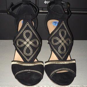 Women's Restricted Wedge Sandal